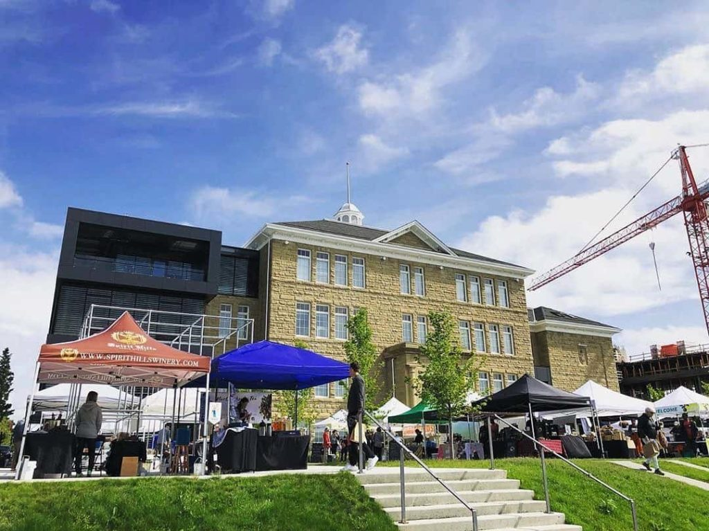 A view from the outside of the Famers and Makers Market.